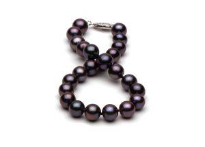 black FW pearl bracelet