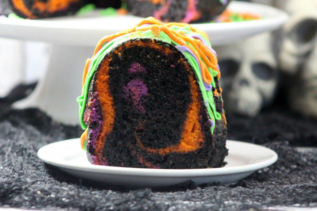 Spooky Bundt Cake 2-3